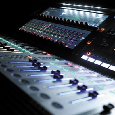 Soundcraft Vi1 Close Up 1 96